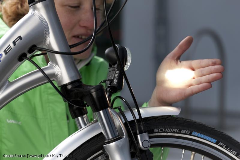 es werde licht daran erkennen sie gute fahrradbeleuchtung inside ebike. Black Bedroom Furniture Sets. Home Design Ideas