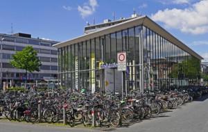 Fahrradparkhaus | Erich Westendarp / pixelio.de