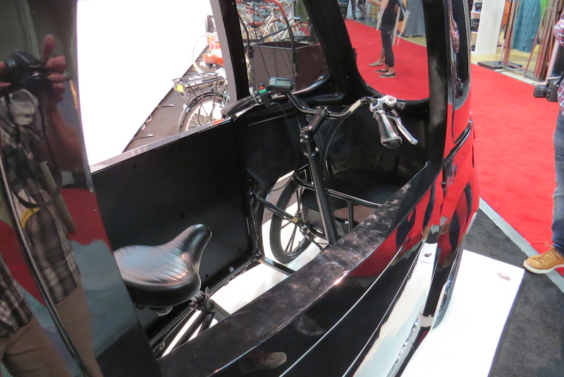 virtue-pedalist-electric-trike-door