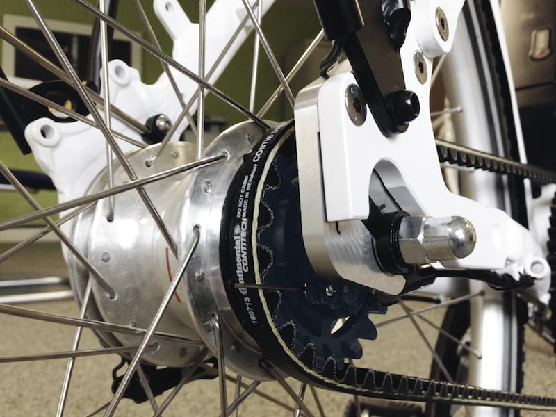 Das CONTI DRIVE SYSTEM, das in Fahrradantrieben die Kette ersetzt, benötigt nur eine geringe Zahnriemenvorspannung und ermöglicht so im Gegensatz zu anderen Systemen mit Antriebsriemen eine einwandfreie Funktion von Drehmomentsensoren, die zur Motorsteuerung nötig sind. Foto: IDbike