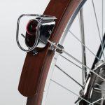 Detail Ruecklicht und Bambusschutzblech - velocipede-fogliaverde web