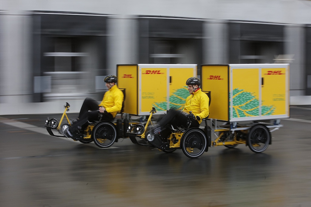 dhl testet lastenfahrr der mit containerboxen inside ebike. Black Bedroom Furniture Sets. Home Design Ideas